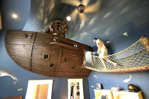 Сказочные виды детских кроватей: летучий голландец