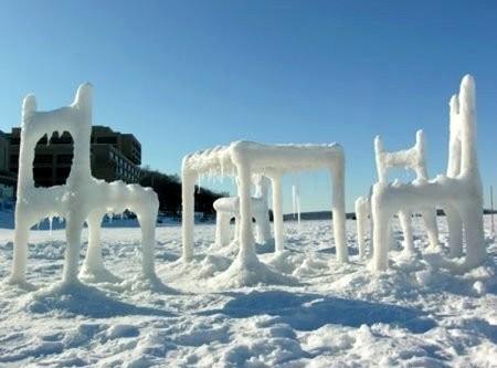 Ледовый дизайн стульев и стол