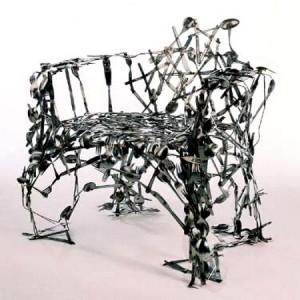 Кухонный или обеденный стул, если сделан из ложек и вилок?
