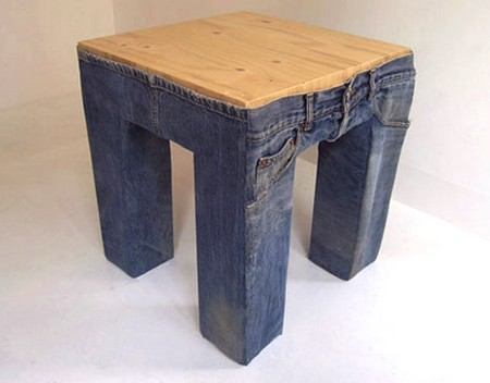 Дизайн табурета в штанах